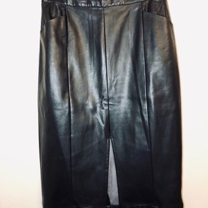WHO WHAT WEAR Black Faux Leather Pencil Skirt (12)
